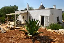 Trullo with covered outside space