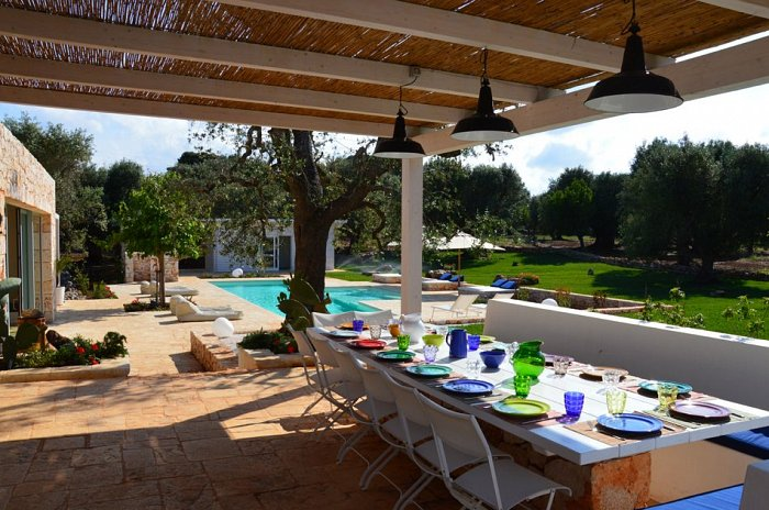 Ostuni Art Resort_veranda and pool