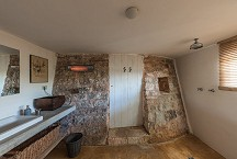 Trullo Iduna 1 of 2 bathrooms