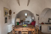 Trullo Iduna living eating kitchen