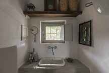Trullo Iduna 2 of 2 bathrooms