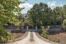 Trullo Iduna entrance gate