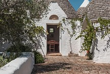 Trullo Iduna entrance