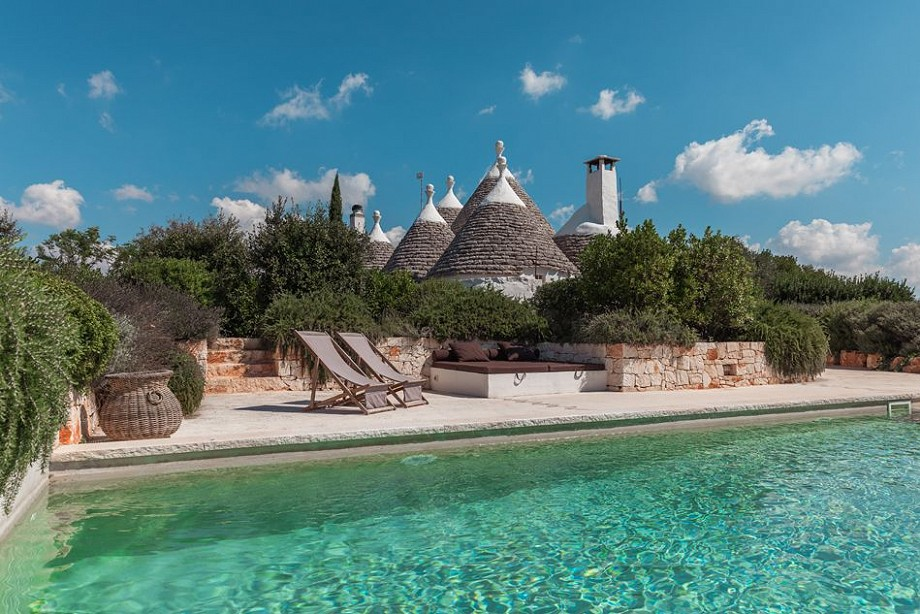 Trullo Iduna with pool