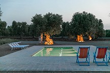 Lamia Parco Paolino evening view onto the pool