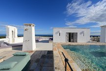 Masseria Petrarolo_roof top lounge with pool